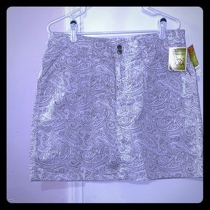 WHITE AND TAN SKORT BY LEE NWT SIZE 12 MEDIUM